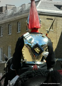 LONDON GUARD © jumpinews.com