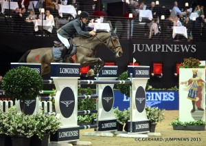 Living The Dream & Cameron Hanley © Collection JUMPINEWS