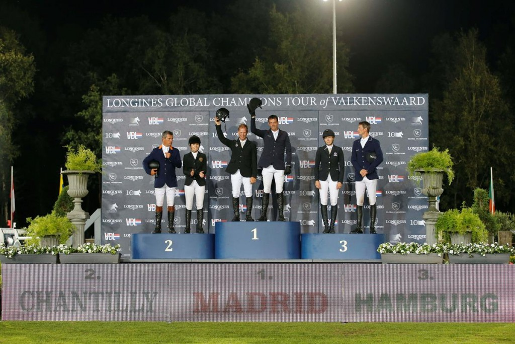 Premier podium d'une épreuve par équipe au Longines global Champions Tour © Stefano Grasso